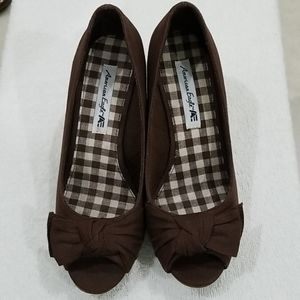 American Eagle (AE) Brown Decorative Peep Toe 8